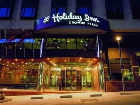 crowne-plaza-holiday-inn